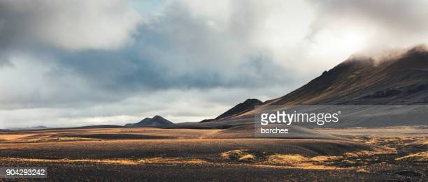 dramatic landscape in iceland - volcanic terrain stock pictures, royalty-free photos & images