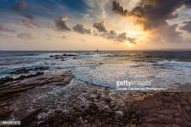 dramatic lighthouse - daniele carotenuto stock-fotos und bilder