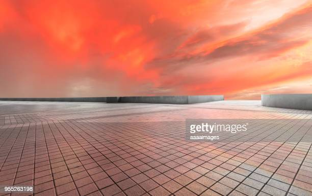 dramatic red sunset sky - grand horizons stock pictures, royalty-free photos & images