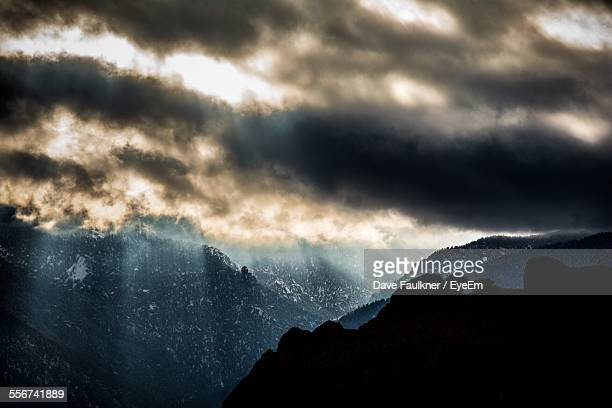 dramatic sky over mountains - dave faulkner eye em stock pictures, royalty-free photos & images