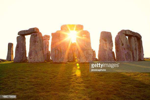 dramatic sunset at stonehenge horizontal - unesco world heritage site stock pictures, royalty-free photos & images