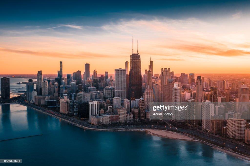 Dramatischer Sonnenuntergang - Downtown Chicago : Stock-Foto