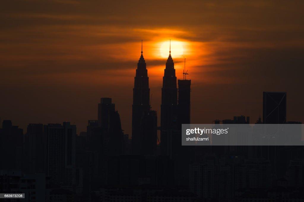 Dramatic sunset in downtown Kuala Lumpur, Malaysia : Stock Photo