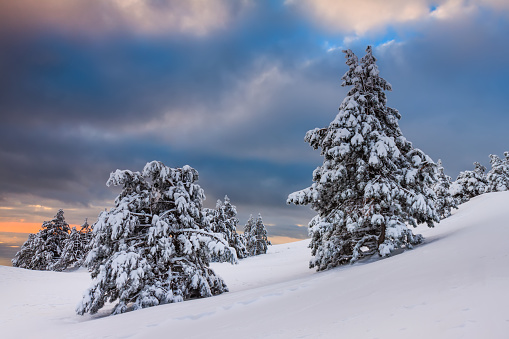 Dramatic sunset in the winter mountains - gettyimageskorea