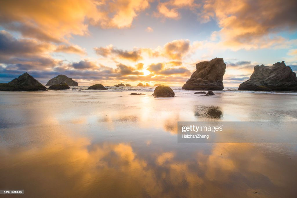 Dramatischen Sonnenuntergang Seascape Beach Bandon, Oregon : Stock-Foto