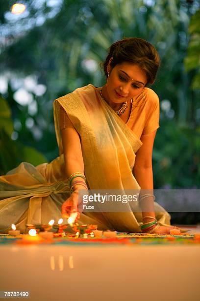 Drawing <Kolam> or <Rangoli> on the Floor