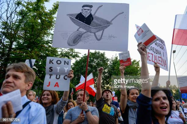 Drawing of polish politian Jaroslaw Kaczynski seen during a protest against the Supreme court reforms introduced by the government. On July 03, the...