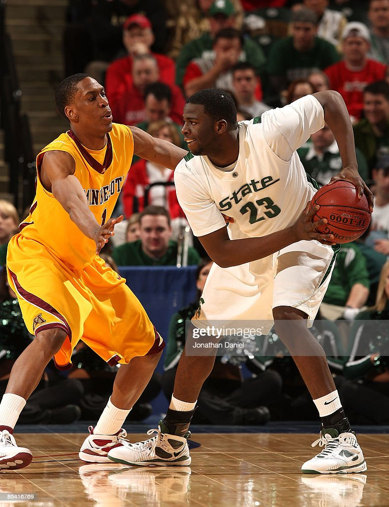 Draymond Green 23 Of The Michigan State Spartans Looks To Pass Against Paul Carter