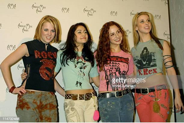 Dream backstage @ American Music Awards in LA 01/8/01