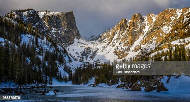 dream lake and hallett peak in rocky mountain national park, colorado. - rocky mountains stock pictures, royalty-free photos & images
