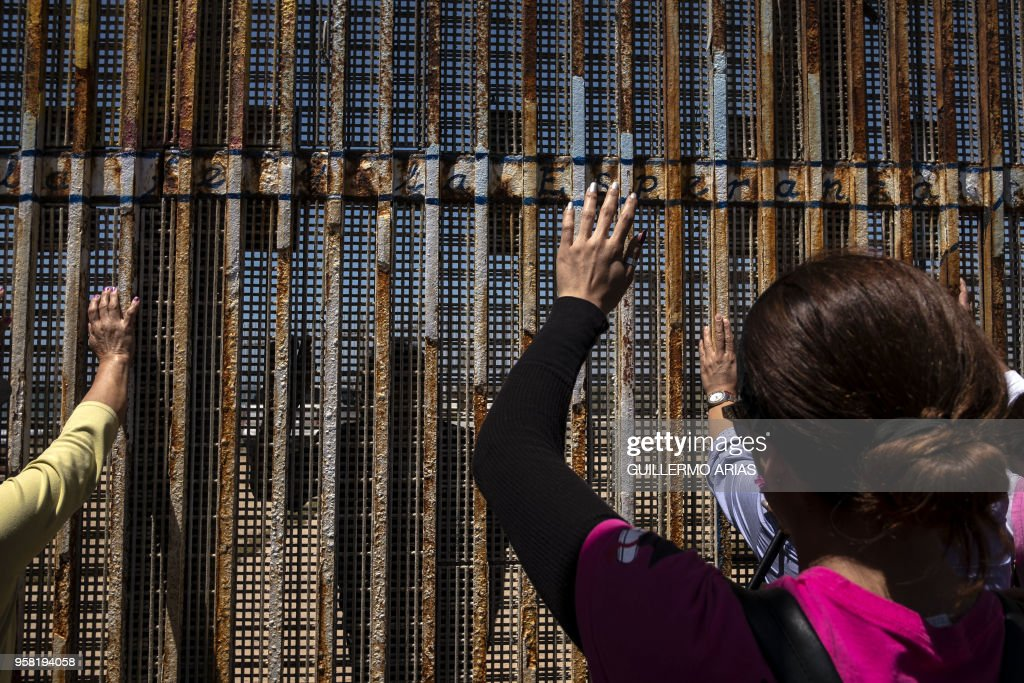 MEXICO-US-MIGRATION-MOTHERS-DAY : News Photo