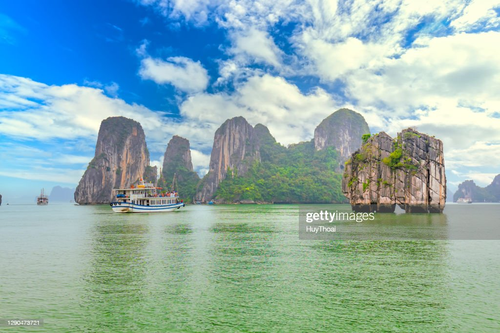 Dreamy scenic among the rocks of Halong Bay : Stock Photo