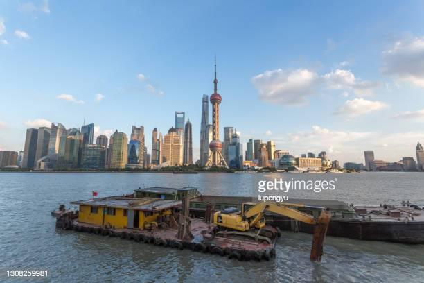 dredging ship,shanghai - 浚渫 ストックフォトと画像