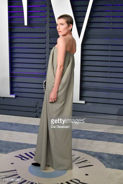 Dree Hemingway attends the 2019 Vanity Fair Oscar Party hosted by Radhika Jones at Wallis Annenberg Center for the Performing Arts on February 24...