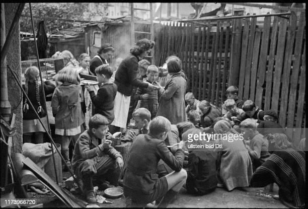 """Dreharbeiten für den Film """"Ein Weg bleibt offen"""", 1944"""