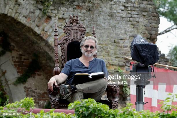 Dreharbeiten zu dem Märchen der Brüder Grimm 'Das Wasser des Lebens' König Ansgar ist sterbenskrank Die Zeit ist gekommen sich Gedanken über die...