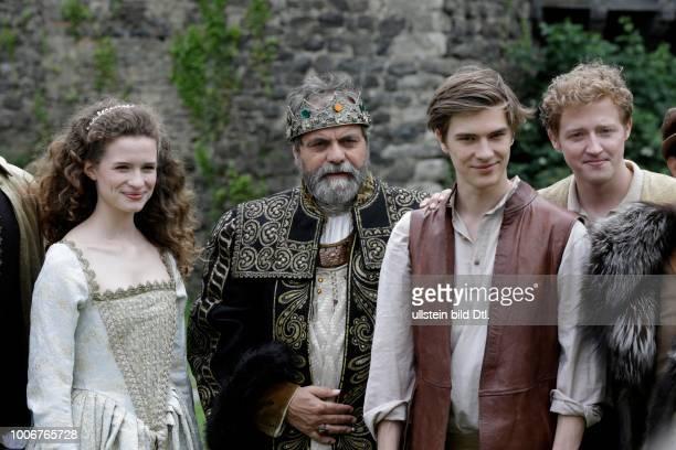 Dreharbeiten zu dem Märchen der Brüder Grimm Das Wasser des Lebens König Ansgar ist sterbenskrank Die Zeit ist gekommen sich Gedanken über die...