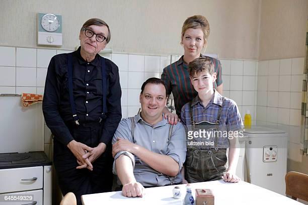 Dreharbeiten zu dem neuen Kinofilm von Adolf Winkelmann nach dem gleichnamigen hochgelobten Ruhrgebietsroman von Ralf Rothmann 'Junges Licht'Inhalt...