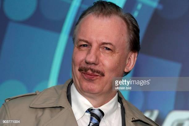 Dreharbeiten zur WDRKomödie Schnitzel geht immer Ludger Pistor Inhalt Die beiden Freunde Günther Kuballa und Wolfgang Krettek den Schrecken der...