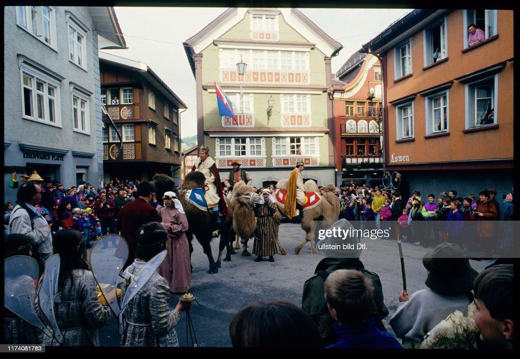 Dreikönigsfest, Einzug der drei Könige, Appenzell 1994 : News Photo