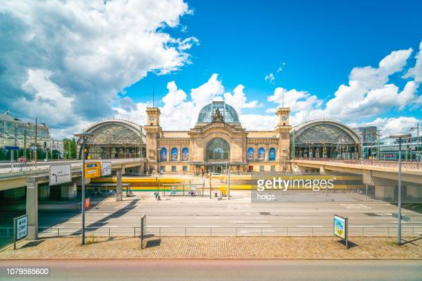dresden hauptbahnhof central station, deutschland, europa - dresden stock-fotos und bilder