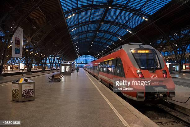 Dresden-bound Zug am Bahnhof Leipzig