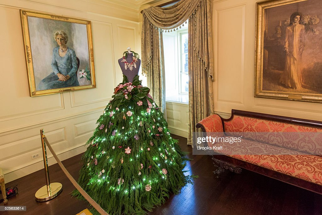 white house holiday decorations news photo