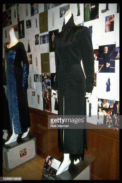 Dresses worn by Glenn Close and Julia Roberts at the 1990 Oscars