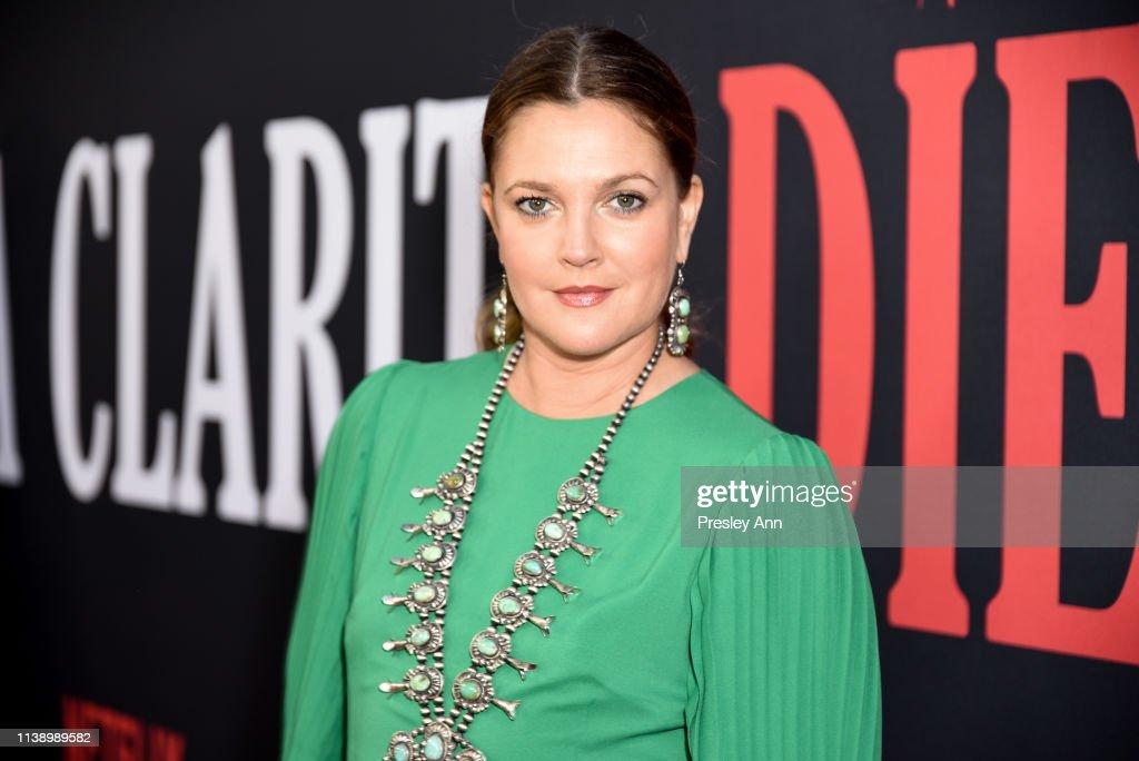 "Netflix's ""Santa Clarita Diet"" Season 3 Premiere - Red Carpet : News Photo"