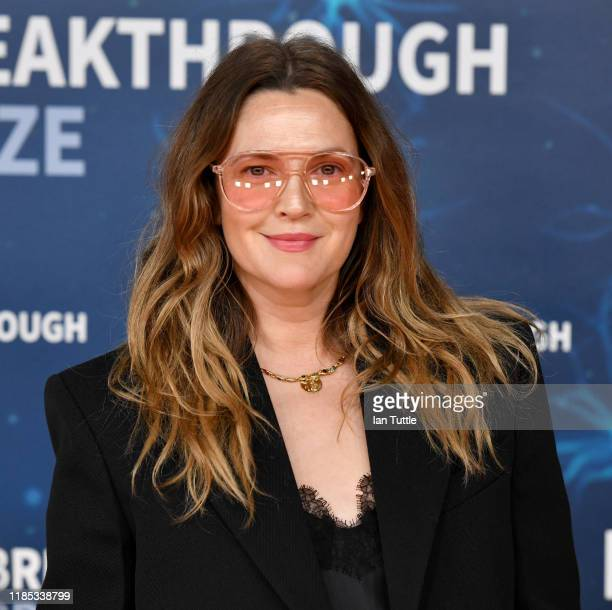Drew Barrymore attends the 2020 Breakthrough Prize Red Carpet at NASA Ames Research Center on November 03, 2019 in Mountain View, California.