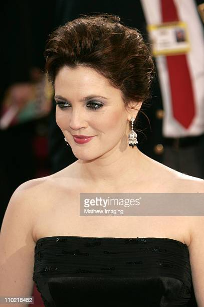 Drew Barrymore during The 77th Annual Academy Awards ET Platform at Kodak Theatre in Los Angeles California United States