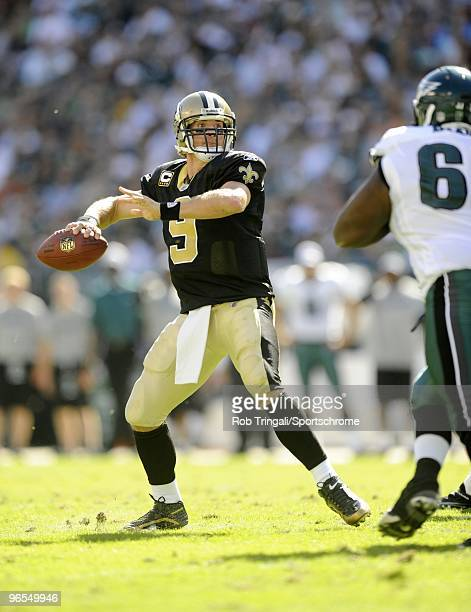 Drew Brees of the New Orleans Saints passes during the game against the Philadelphia Eagles at Lincoln Financial Field in Philadelphia, Pennsylvania...