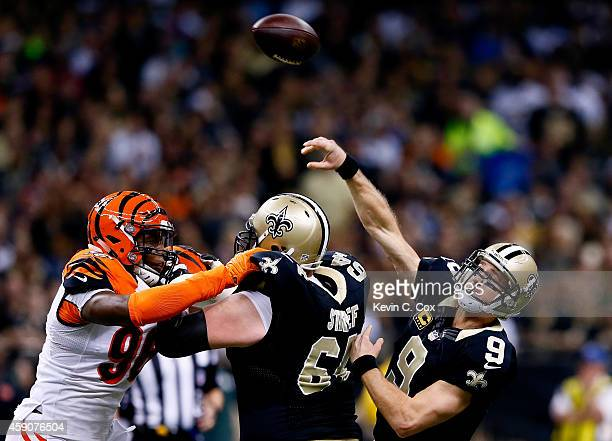 Drew Brees of the New Orleans Saints passes the ball during the first quarter against the Cincinnati Bengals at Mercedes-Benz Superdome on November...