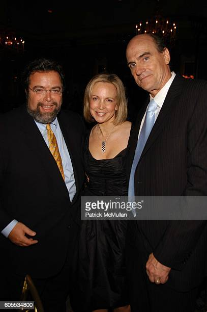 Drew Nieporent Kim Smedvig and James Taylor attend Rainforest Foundation Fund Benefit Concert Dinner at Pierre Hotel NYC on May 19 2006 in New York...