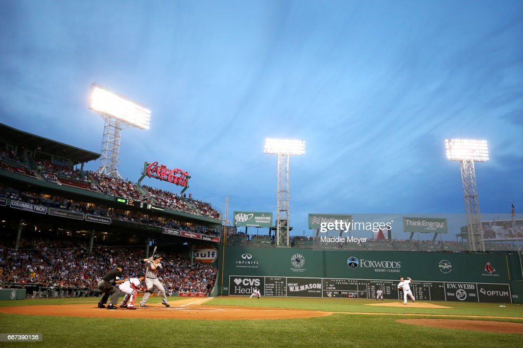 Drew Pomeranz #31 of the Boston Red Sox pitches to Mark Trumbo #45 of the Baltimore Orioles during the first inning at Fenway Park on April 11, 2017 in Boston, Massachusetts.