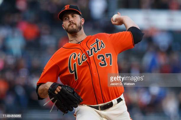 Drew Pomeranz of the San Francisco Giants pitches against the Los Angeles Dodgers during the first inning at Oracle Park on June 7 2019 in San...