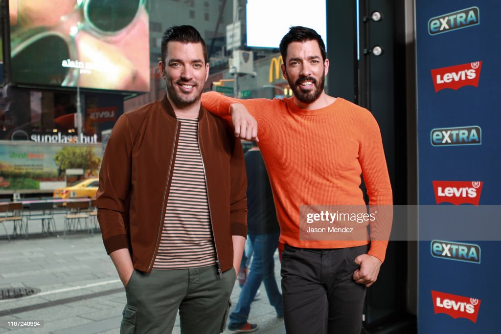 "Property Brothers Visit ""Extra"" : News Photo"