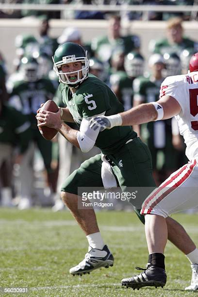 Drew Stanton of Michigan State drops back to pass against Indiana during the second quarter on October 29, 2005 at Spartan Stadium in East Lansing,...