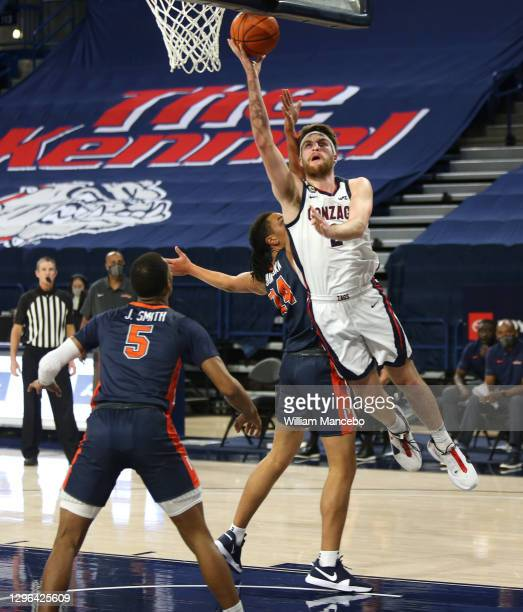 Drew Timme of the Gonzaga Bulldogs goes to the basket against the Pepperdine Waves in the first half at McCarthey Athletic Center on January 14, 2021...