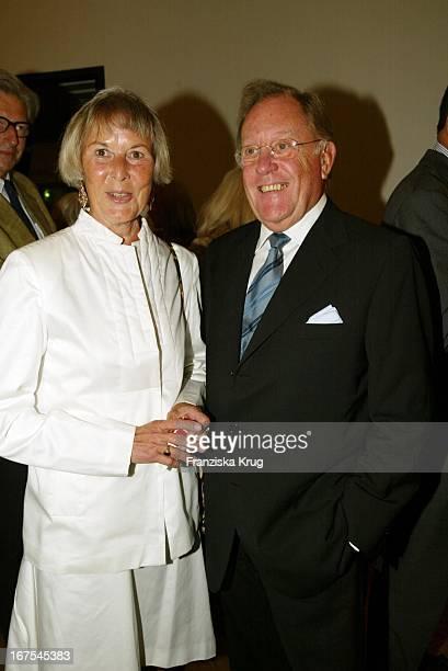 Dr.Hermann Schreiber + Jutta Temme Bei Montblanc De La Culture Arts Patronage Award 2002