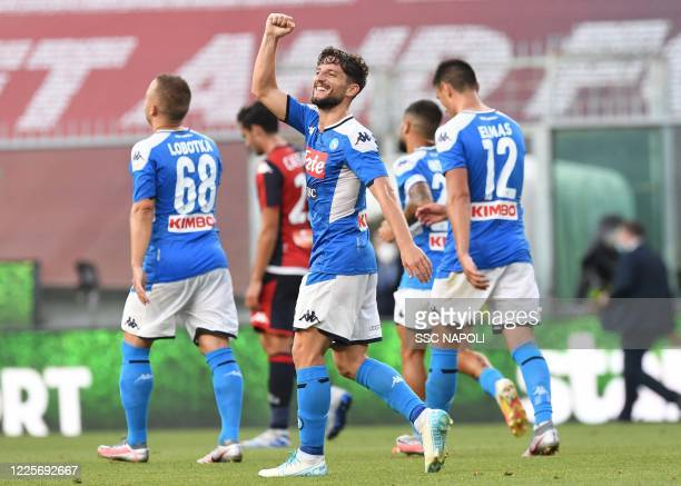 Dries Mertens of Napoli celebrates after scoring the first goal of his team during the Serie A match between Genoa CFC and SSC Napoli at Stadio Luigi...