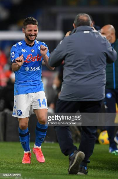 Dries Mertens of Napoli celebrates after scoring their side's first goal during the Serie A match between SSC Napoli and Benevento Calcio at Stadio...