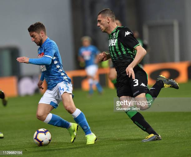Dries Mertens of SSC Napoli and Merih Demiral of US Sassuolo in action during the Serie A match between US Sassuolo and SSC Napoli at Mapei Stadium...