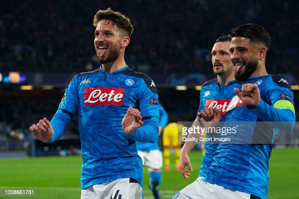 Dries Mertens of SSC Napoli celebrates after scoring his team's first goal during the UEFA Champions League round of 16 first leg match between SSC...