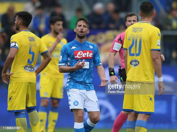 Dries Mertens of SSC Napoli celebrates after scoring the opening goal during the Serie A match between Frosinone Calcio and SSC Napoli at Stadio...