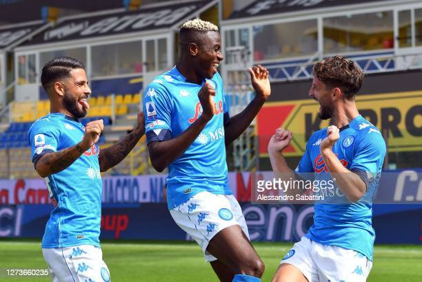 Dries Mertens of SSC Napoli celebrates after scoring the opening goal with team mates during the Serie A match between Parma Calcio and SSC Napoli at...