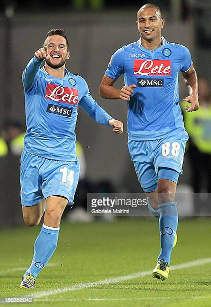 Dries Mertens of SSC Napoli celebrates after scoring their second goal during the Serie A match between ACF Fiorentina and SSC Napoli at Stadio...