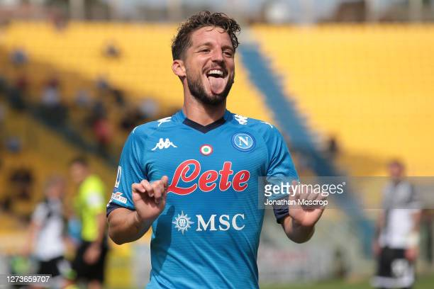Dries Mertens of SSC Napoli celebrates after scoring to give the side a 1-0 lead during the Serie A match between Parma Calcio and SSC Napoli at...
