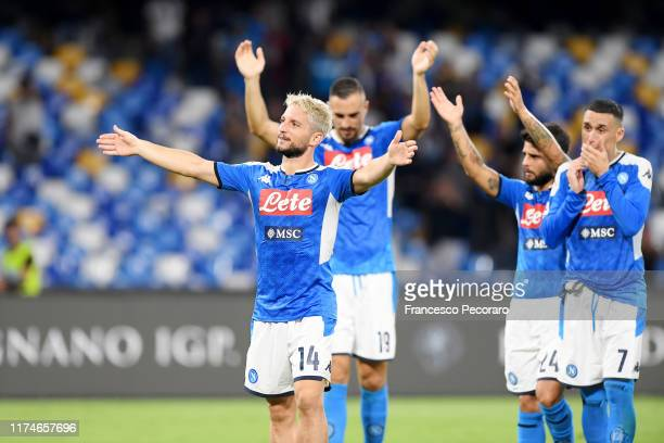 Dries Mertens of SSC Napoli celebrates the victory after the Serie A match between SSC Napoli and UC Sampdoria at Stadio San Paolo on September 14...