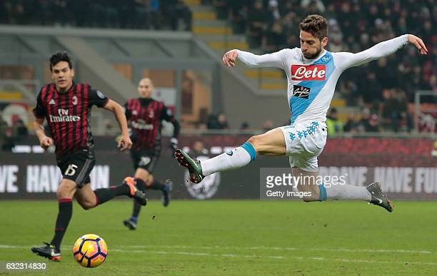 Dries Mertens of SSC Napoli in action during the Serie A match between AC Milan and SSC Napoli at Stadio Giuseppe Meazza on January 21 2017 in Milan...